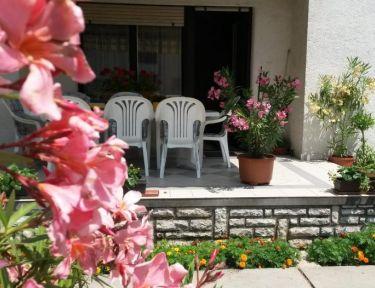 Pink Leander Apartman profil képe - Siófok