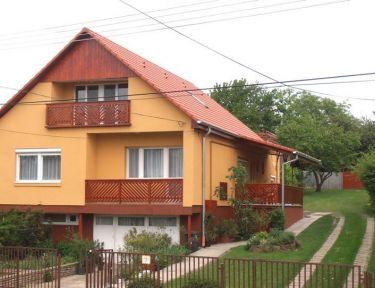 Piroska Apartmanház profil képe - Balatonlelle