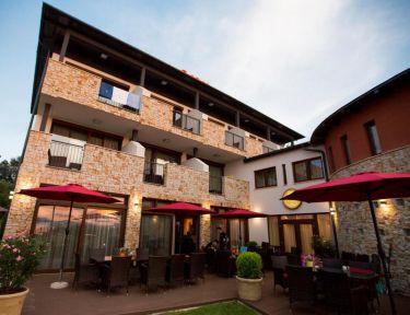 Pole Position Beach Hotel profil képe - Balatonszárszó