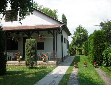 Rózsa Nyaralóház profil képe - Balatonboglár