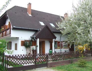 Tünde Nyaralóház profil képe - Balatonboglár