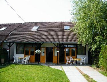 Yachtparty Apartmanház profil képe - Balatonboglár