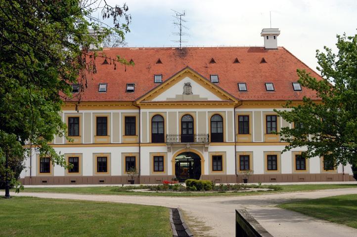 Új-Ebergényi Kastélyszálló-Vasszécseny