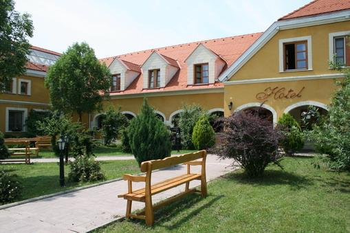 Gastland M0 Hotel, Étterem és Konferenciaközpont-Szigetszentmiklós
