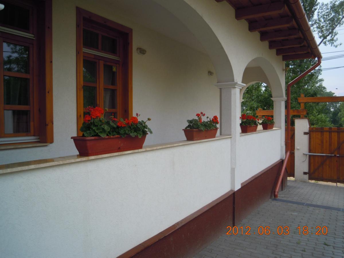 Parasztház Apartman-Dunaalmás