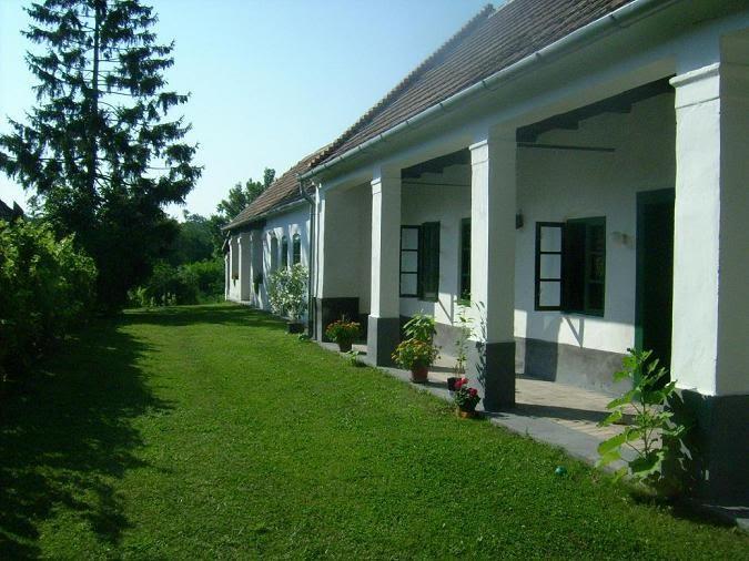 Vén Posta Vendégház-Ganna
